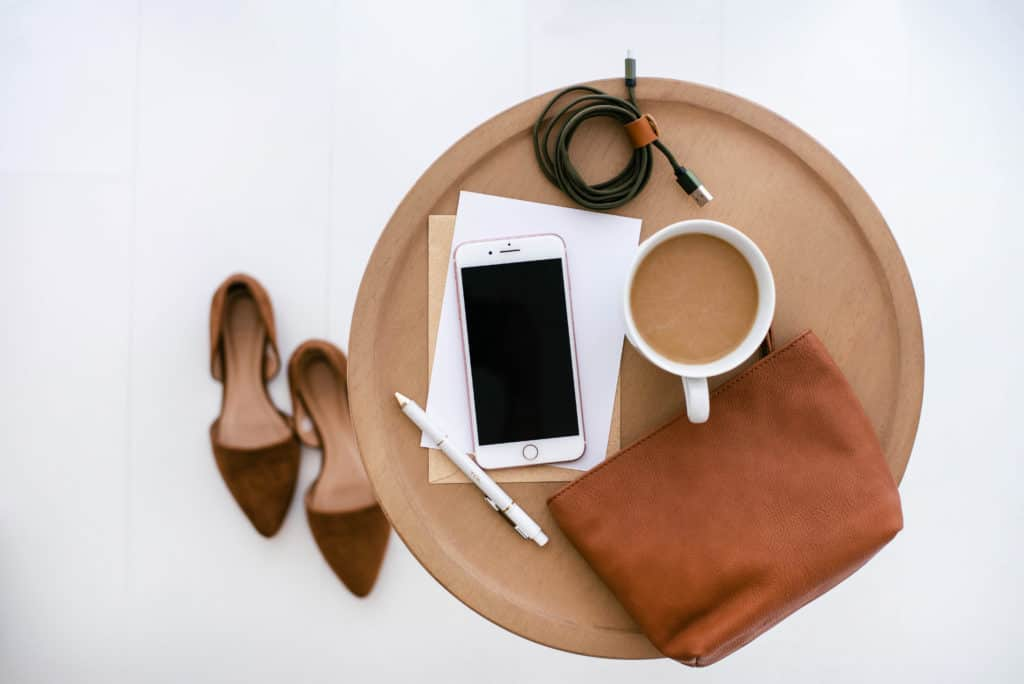 Minimalism doesn't mean throwing away everything that isn't useful. It is a journey you take to decluttering and valuing things that are important to you. These minimalistic personal goal examples will really help you understand how to declutter.